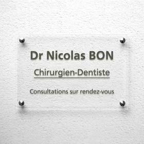 Plaque dentiste en plexiglas transparent