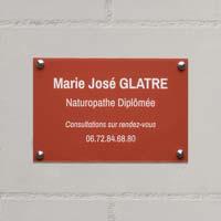 Plaque professionnelle plexiglas fond rouge gravure blanche, format 30 x 20 cm