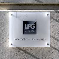 Plaque professionnelle couleur centre LPG - impression logo et texte sur fond blanc